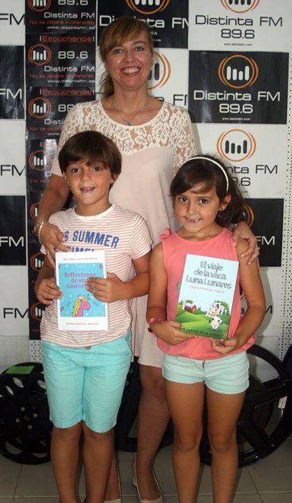 La escritora de libros infantiles y poemas, ZAYRA ABASC...